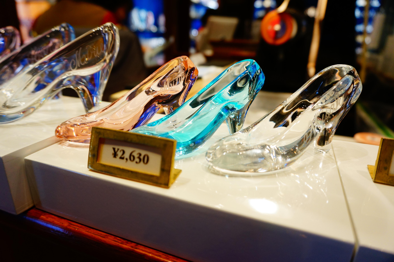 ディズニー【ガラスの靴】販売場所・値段・サイズ。シーでも買える