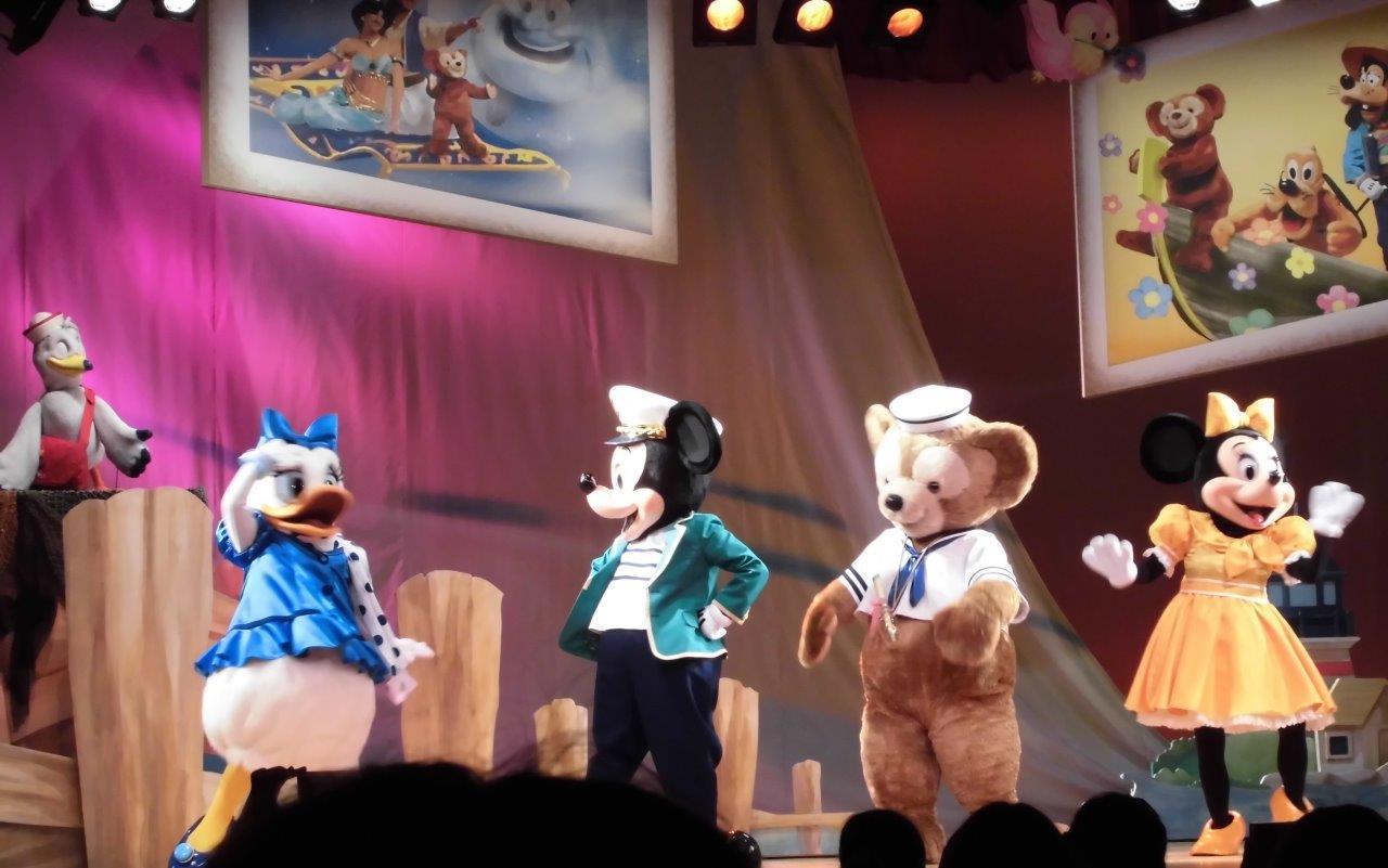 ダッフィーやミッキーのショー