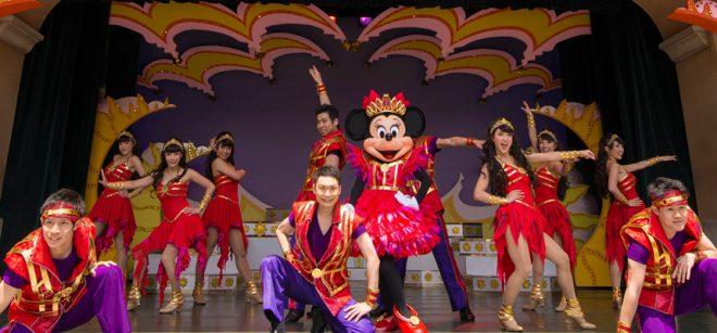 ミニー・オー!ミニーで赤い衣装で踊るミニー